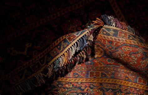 Lavaggio Tappeti Persiani Restauro E Vendita Di Tappeti Persiani Antichi E Moderni