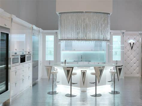 cuisine moderne blanc laqué aménager une cuisine design avec ilot central