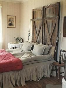 Tete De Lit En Bois : id es pour fabriquer une t te de lit en bois porte transform en t te de lit t te de lit ~ Teatrodelosmanantiales.com Idées de Décoration