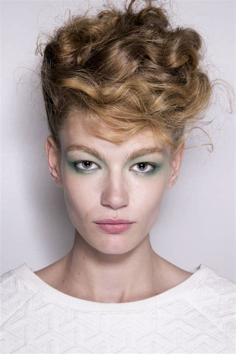 Cool Hairstyles For Hair For by Cool Hairstyles You Can Do At Home Stylecaster