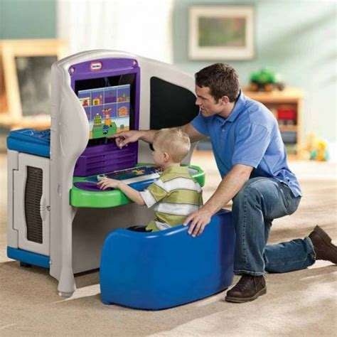 Tikes Explorer Computer Desk by Cool Computer Station 226 Explorer From