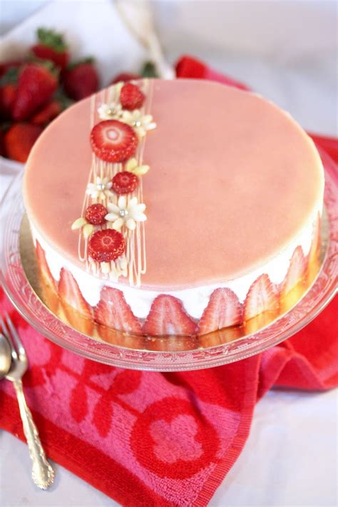 le fraisier un dessert incontournable en un entremets 224 base de fraises de g 233 noise et