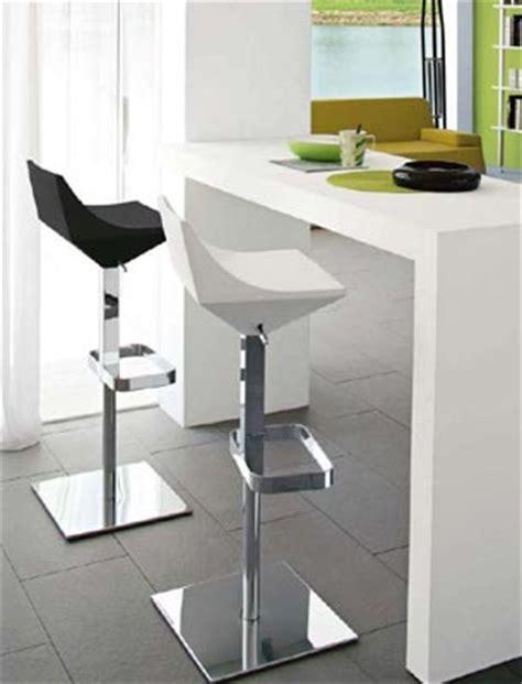 Sgabelli Girevoli Ikea by Consigli Utili Per L Acquisto Di Sedie E Sgabelli Per La