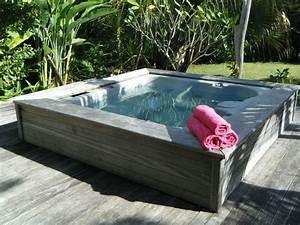 outdoor whirlpool mit den gleichen terrassenplatten With whirlpool garten mit mini pool für balkon