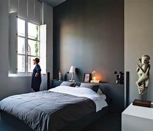 Richtige Farbe Für Schlafzimmer : wandgestaltung mit dunklen farben 15 wirkungsvolle einrichtungsideen ~ Markanthonyermac.com Haus und Dekorationen