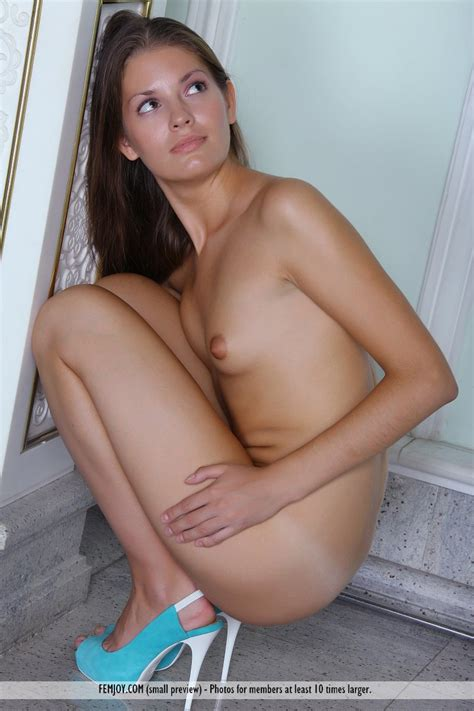 Small Tit Girl Pictures Image
