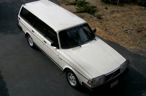Sell Used 1990 Volvo 240 Base Wagon 4
