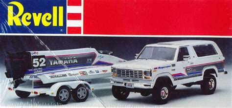 Driving Yamaha Boat by 1980 Ford Bronco With Yamaha Formula One Racing Boat And