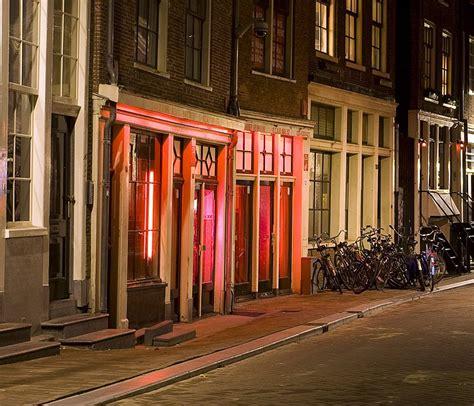 amsterdam prostituees en vitrine quartier 224 amsterdam vitrines relations tarif 233 es et coffeeshop vanupied