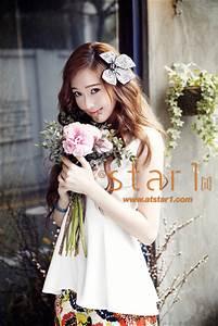 高清:少女時代Jessica變身小花仙 甜美係春裝寫真曝光 - 娛樂 - 國際線上