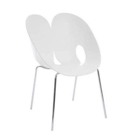 chaise coque blanche chaise montagne design le galetas