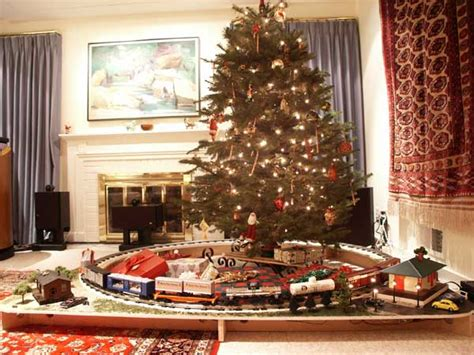 toy train going around top of a tree kid stuff lionel trains great american things