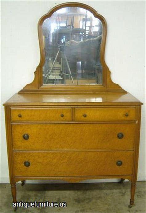 vintage birdseye maple dresser antique birdseye maple dresser at antique furniture us
