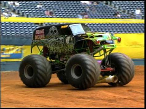 grave digger monster truck youtube monster jam grave digger monster truck 30th anniversary