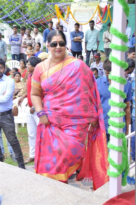 actress kavitha song picture 1230758 actress kavitha gilli danda movie