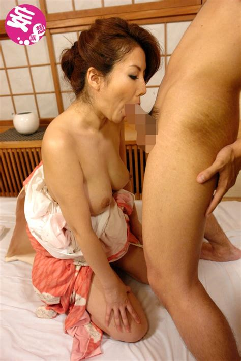A Mature Woman Climaxing Having Real Passionate
