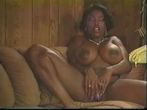 Retro Ebony Ayes S 30 Pics