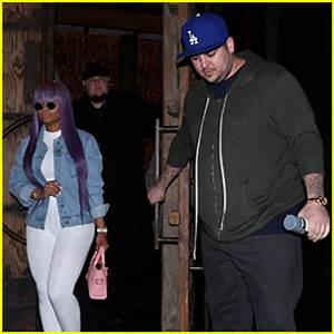 Rob Kardashian & Blac Chyna Have a Dinner Date in ...