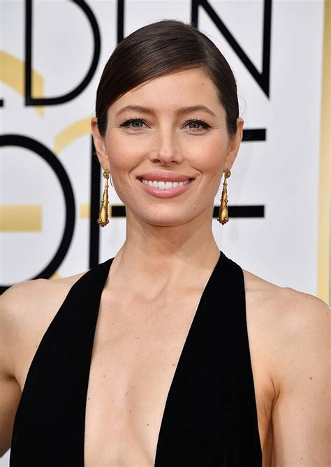 Best beauty at the 74th Golden Globe Awards | Canadian Living