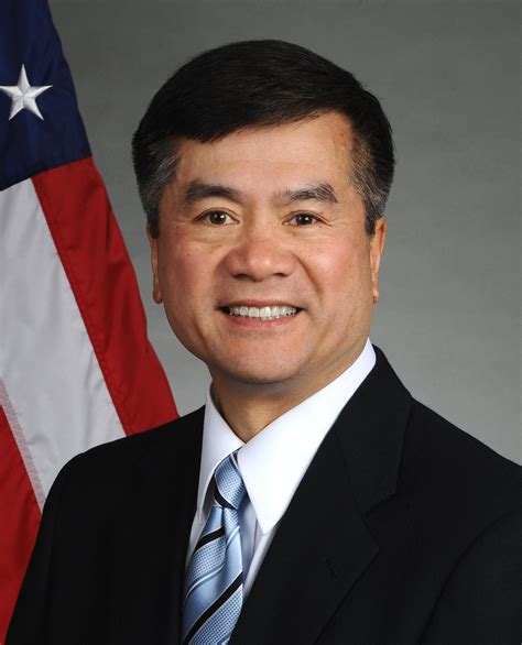 s駱aration bureau file gary locke official portrait jpg