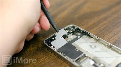 iphone 4s power button stuck how to diy repair a stuck or broken iphone 4s power button