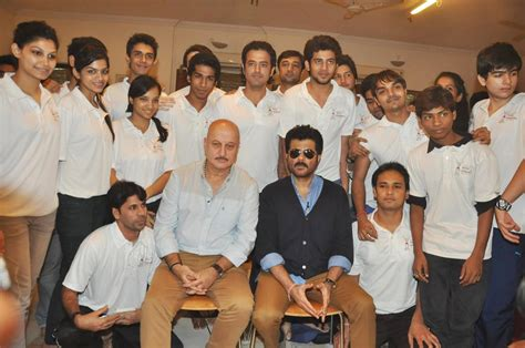 anil kapoor posing  students  anupam kher  acting