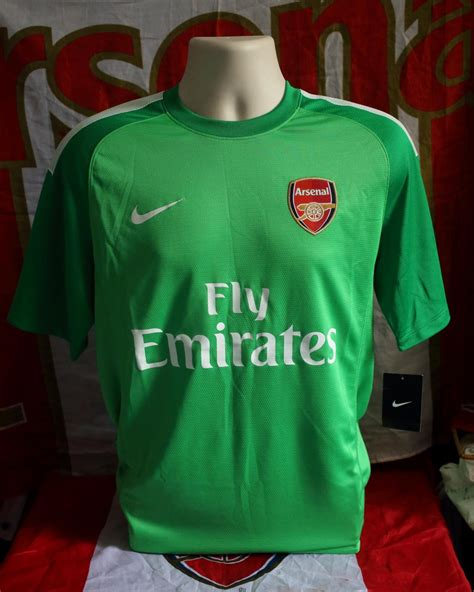 Arsenal Goalkeeper football shirt 2013 - 2014. Sponsored ...