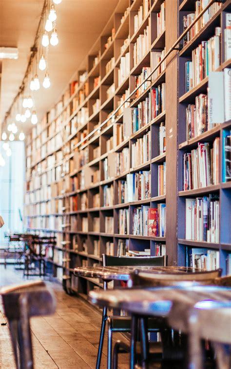 book cafe merci  paris  viennese girl