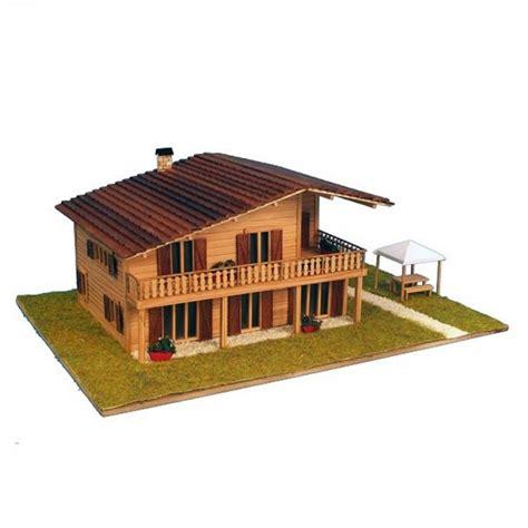 maquette a monter en bois chalet alpin francis miniatures