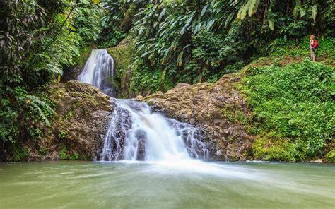 hiking holiday  grenada  greenest island