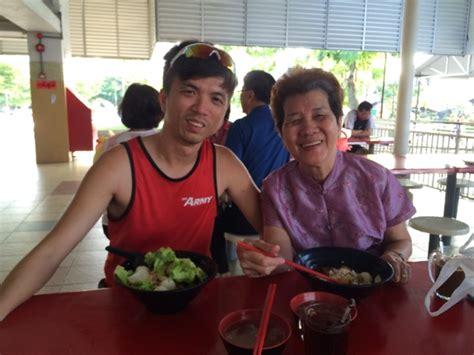 Stage 4 Lung Cancer Survivor Singapore - CancerWalls