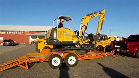 gehl  mini excavator  loaded  econoline trailermov youtube