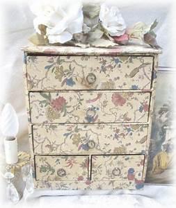 Belle Boite De Rangement : belle ancienne boite de rangement fleuri tiroirs 1950 cartonnage pinterest ~ Farleysfitness.com Idées de Décoration
