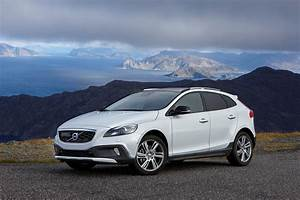 Volvo V40 Cross County Gets New T5 Awd Engine  2