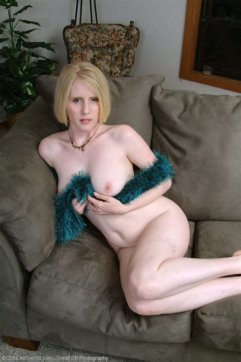 Pale Mature Blonde Milf Lydia Wearing Feather Boa Tgp Gallery