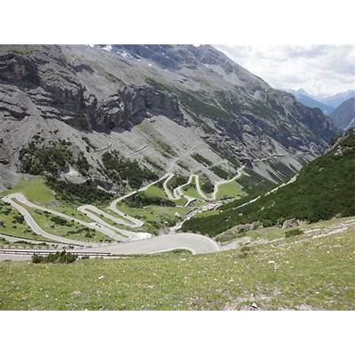 Day 12 – Bergamo to Innsbruck via Stelvio PassTokai Travels