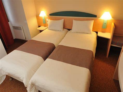 prix d une chambre hotel ibis l 39 ibis maisons laffitte est idéalement situé à proximité
