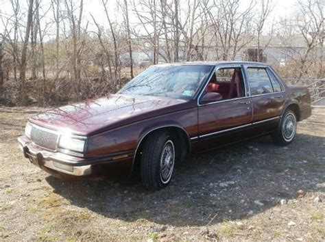 Gm Buick Lesabre by Sell Used 1990 Gm Buick Lesabre Custom Cheap Commuter