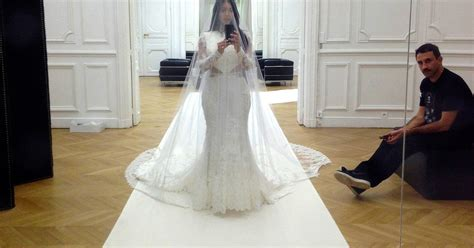 Kim Kardashian's Wedding Dress-fitting Selfie, More Pics