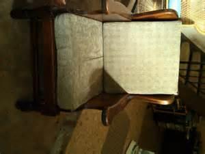 Early American Furniture Sofa