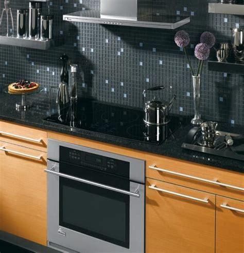 ge monogram zhurbmbb  cooktop  black appliances