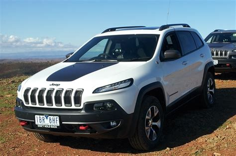 jeep hawk trail 2014 jeep cherokee trailhawk review