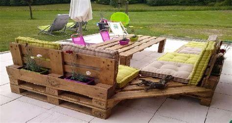 peindre canapé tissu quel entretien pour un salon de jardin en palette