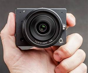 Z E1 4k Camera Offers Interchangeable Lenses In The Smallest Package
