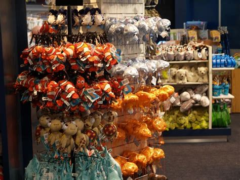 sydney aquarium gift shop images