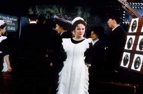 Sobarica Na Titanicu (le Femme De Chambre Du Titanic, 1997 Günstig Kommoden Kaufen Kommode Fürs Bad Ahorn Hell Vollholz China Mit Bunten Schubladen Schlafzimmer Schwarz