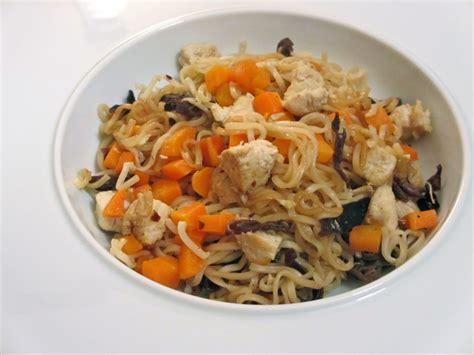 cuisiner des carottes à la poele nouilles chinoises aux carottes et poulet diet délices