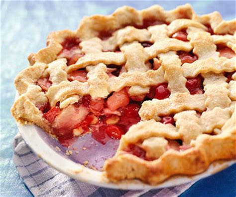 apple cherry pie something special apple cherry pie midwest living