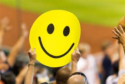 ประวัติ Smiley โลโก้ 'พันล้าน' ที่ผู้ออกแบบได้ค่าจ้างเพียง ...