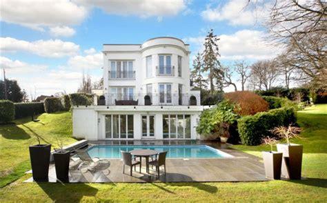 Modern Mansion In Surrey For Sale